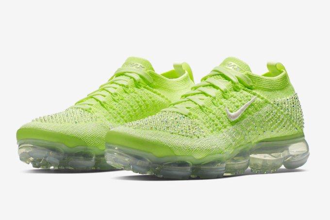 Nike-tenis-swarovski-neon