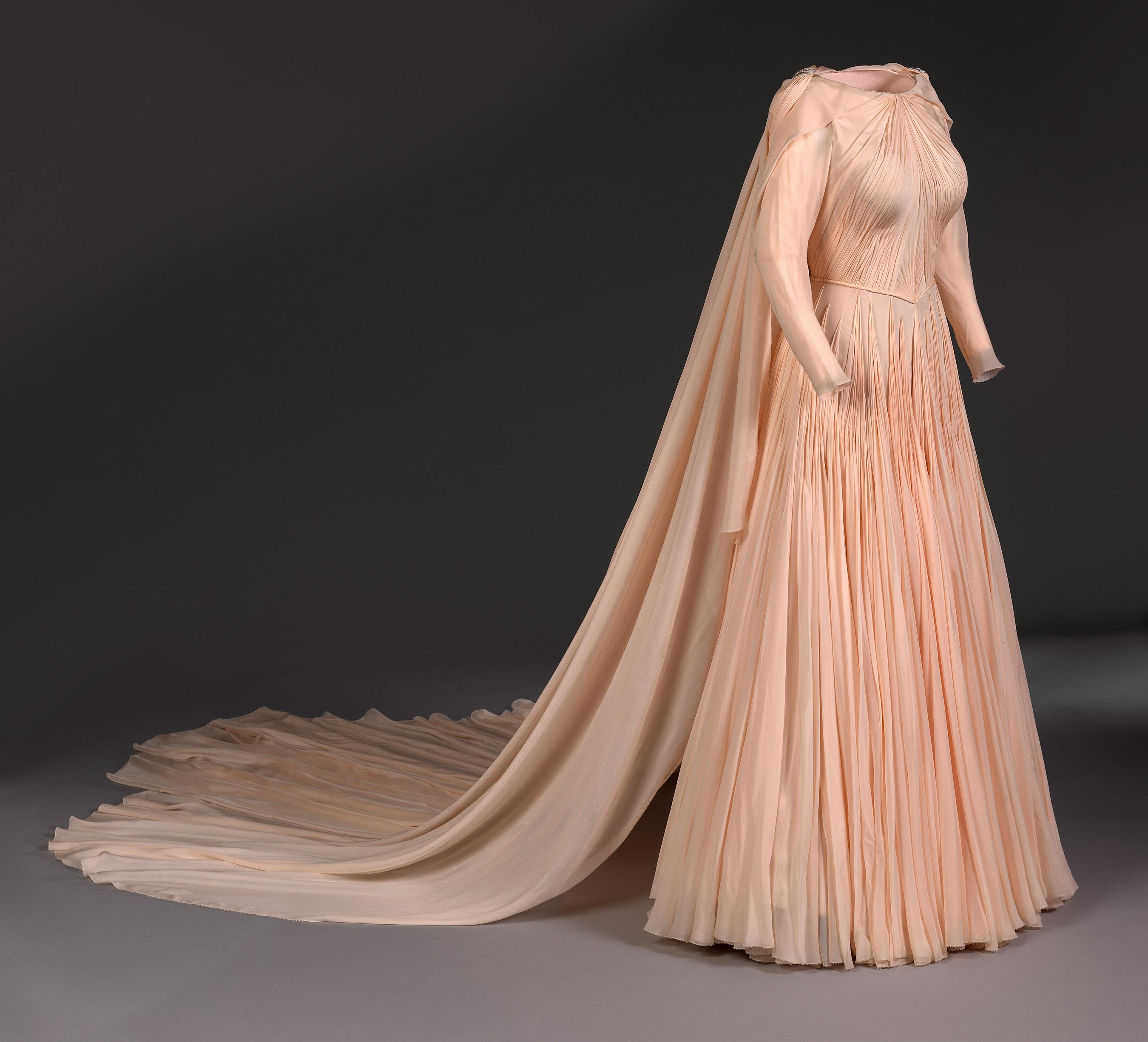 Vestido da princesa Eugenie criado pelo estilista Zac Posen