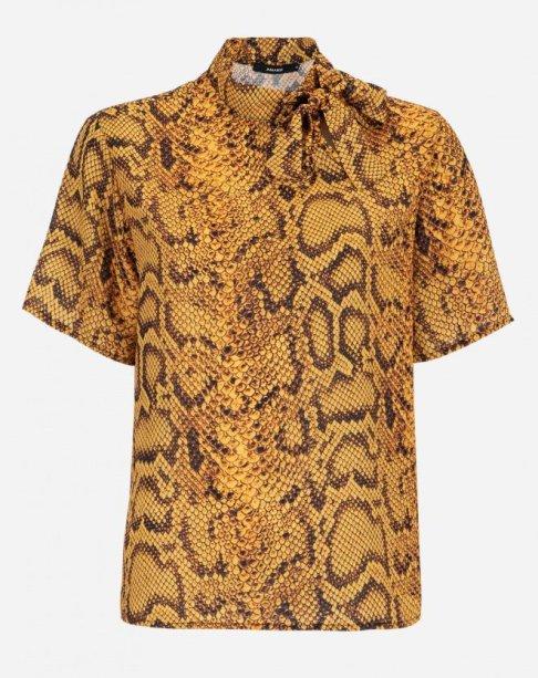 Blusa manga curta com laço na gola da Amaro (R$ 139,90*).