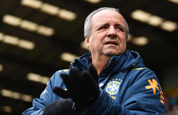 Por que Vadão não deveria ser o técnico do time feminino na Copa do Mundo?