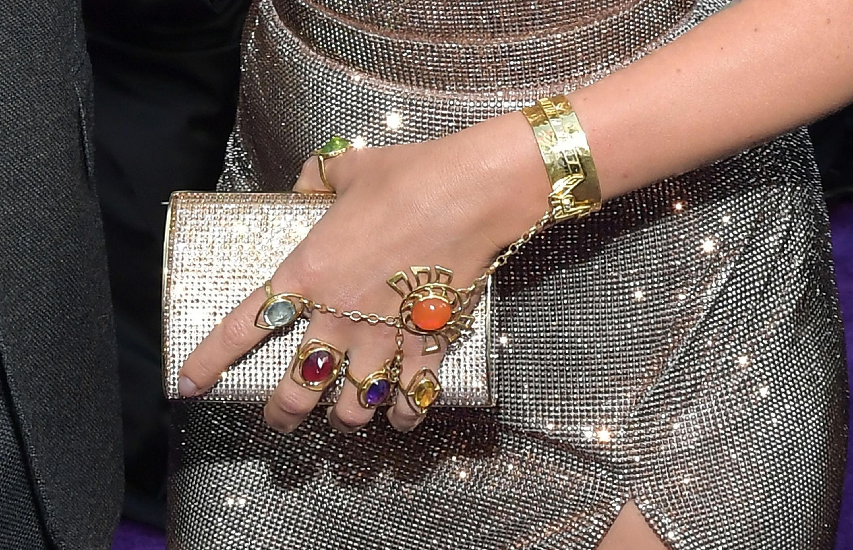 Scarlett-Johansson-joias-premiere-vingadores