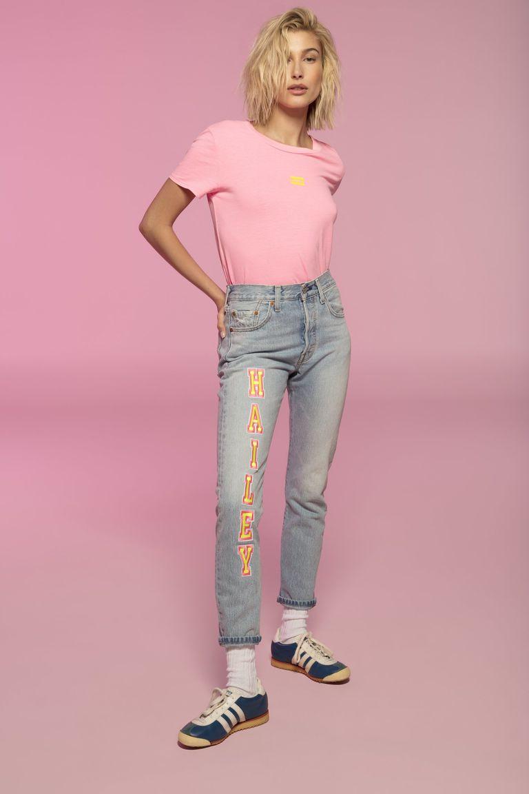 Hailey Bieber na campanha do jeans 501 da Levi's