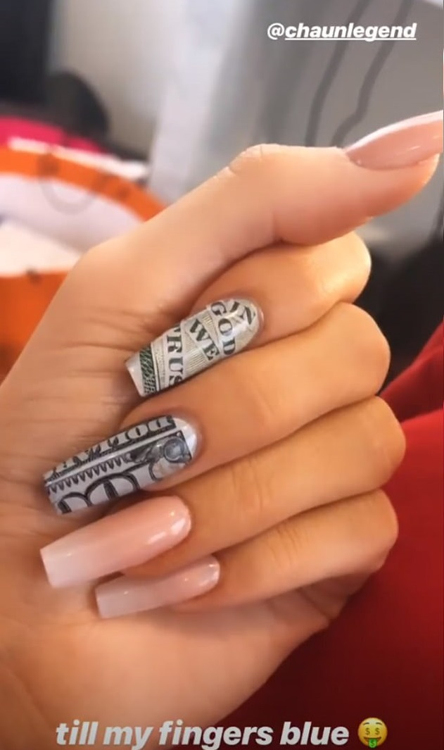 nail-art-kylie-jenner-1