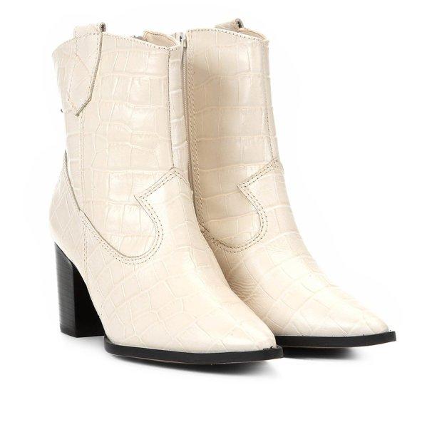Bota Shoestock (R$ 399,90*).