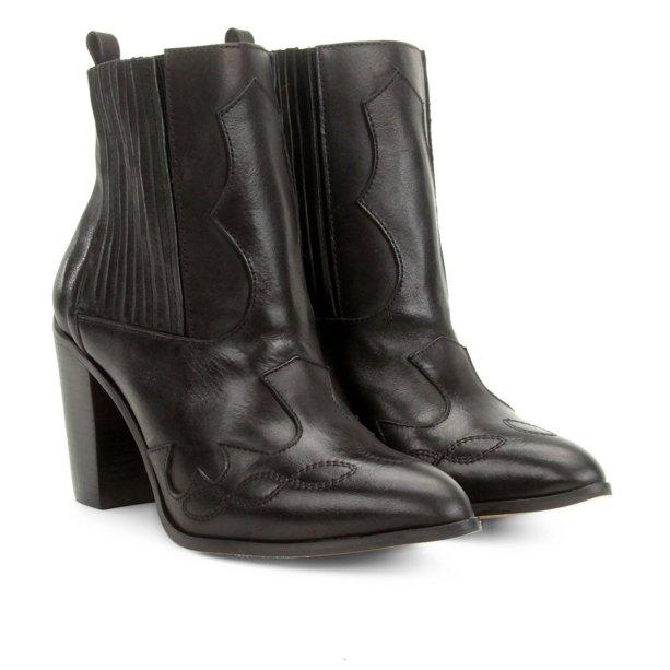 Bota Shoestock (R$ 349,90*).
