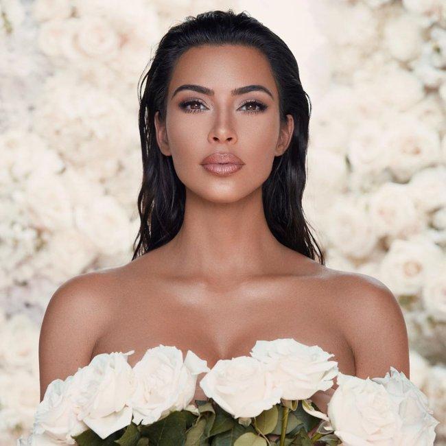 kim-kardashian-kkw-beauty-colecao-casamento-kanye-west