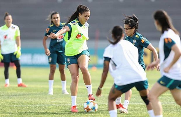 Em Portugal, Seleção Feminina faz o primeiro treino para a Copa do Mundo