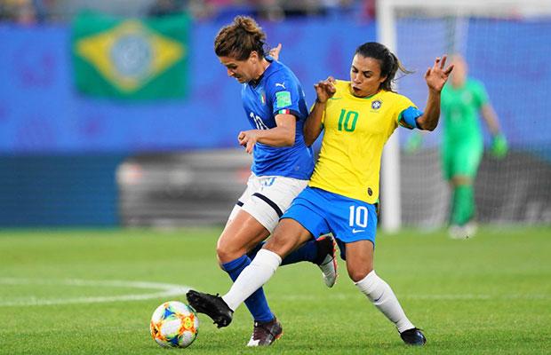 Marta supera jogador alemão e tem o maior número de gols em Copas do Mundo