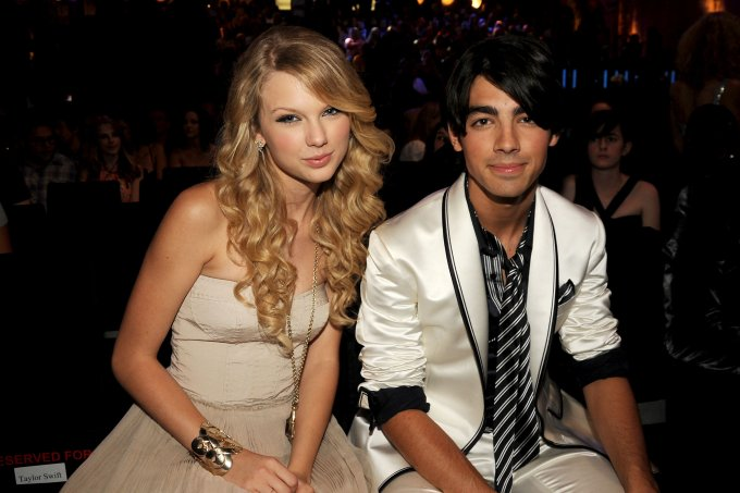 2008 MTV Video Music Awards – Backstage and Audience