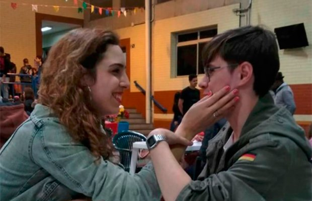 Isabela, namorada de ator morto, revela doença e desejo de ajudar pessoas