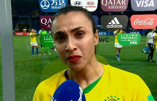 Marta pede mais valorização do futebol feminino em discurso emocionante