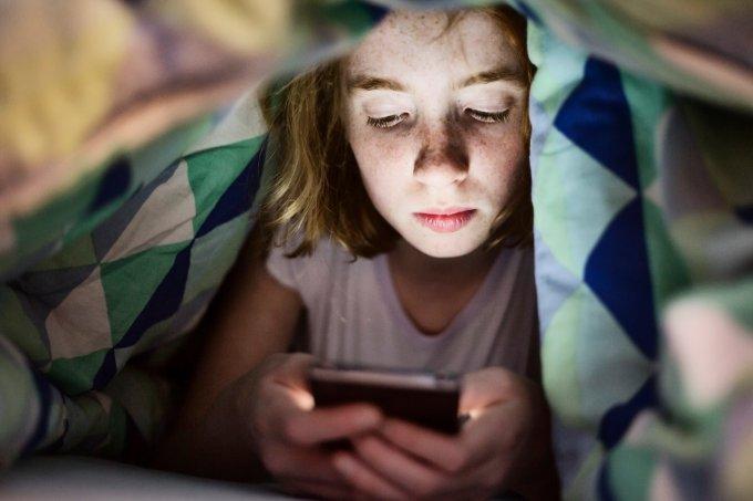 Como as redes sociais podem nos deixar mais ansiosas durante as férias