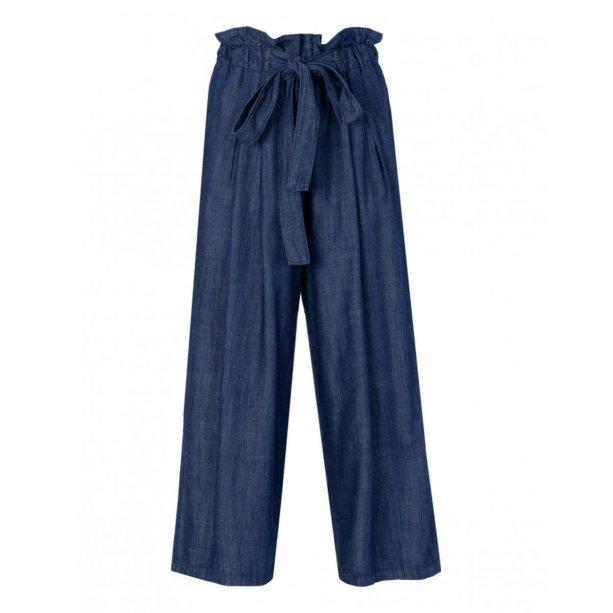 Calça pantacourt de elástico Zattini (R$ 189,90*).