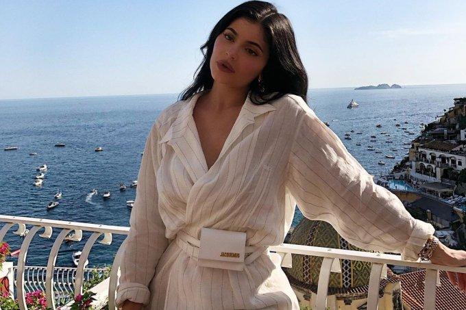 Kylie Jenner mini bolsa