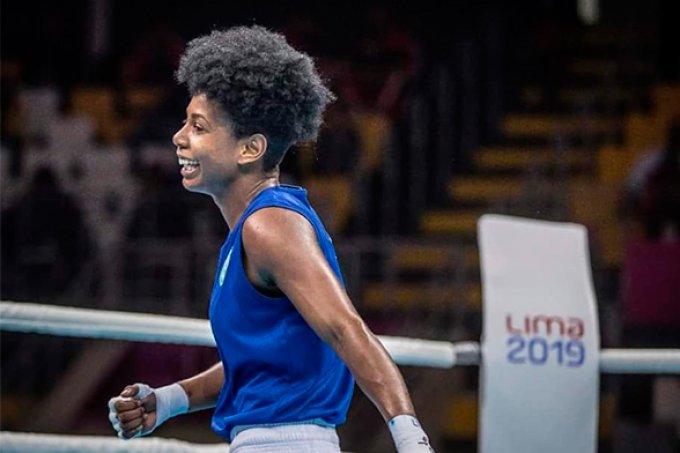 """Jucielen Cerqueira faz história no Pan: """"sou mulher, negra, da periferia e luto boxe"""""""