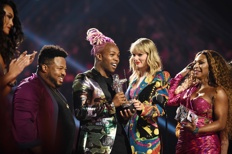TAYLOR-SWIFT-VMA-2019