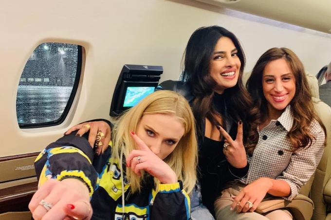 Sophie Turner, Priyanka Chopa e Danille Jonas