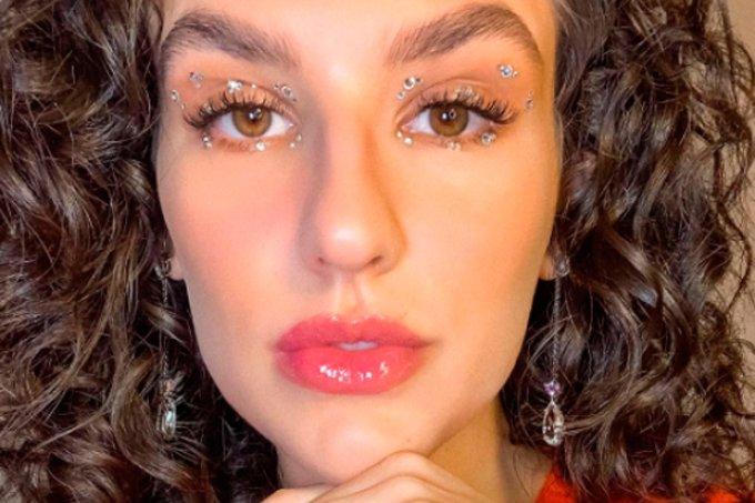 kefera-maquiagem-pedrinhas-olhos