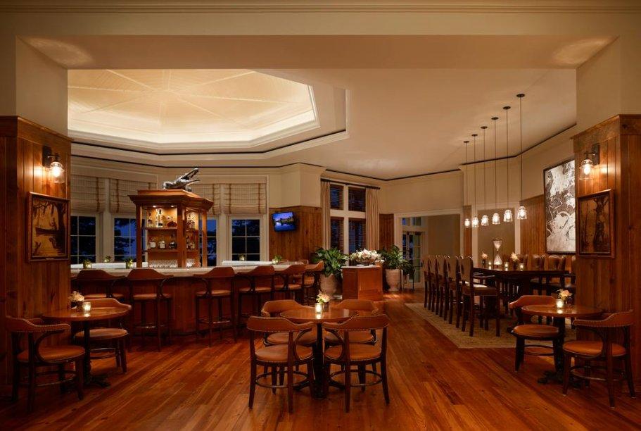 Os dois fecharam algumas áreas comuns do hotel, como o restaurante principal