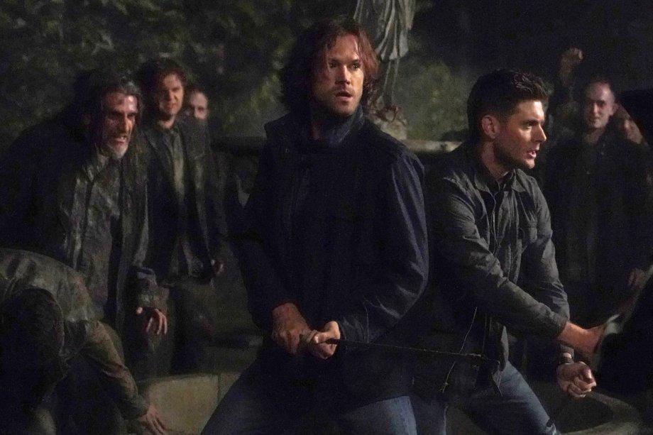 Irmãos Winchester lutam contra zumbis no primeiro episódio da 15ª temporada