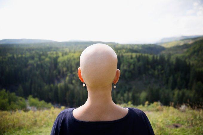 Maioria dos homens deixa parceiras após diagnóstico de câncer, diz estudo