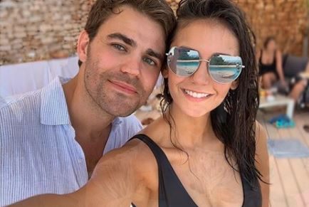 nina-dobrev-paul-wesley-video-pisicna