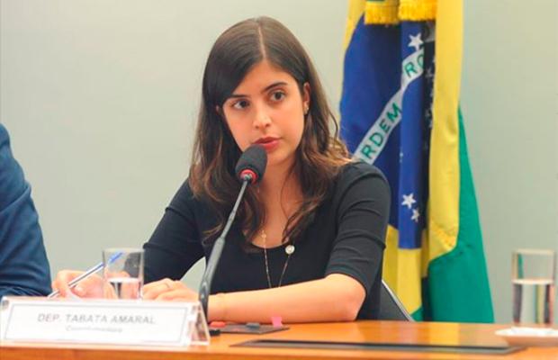 Deputada Taba Amaral diz que é criticada na polícia por ser mulher e jovem