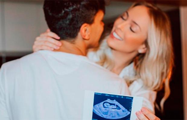 """Tata e Cocielo anunciam que estão esperando seu primeiro filho: """"vivendo o sonho"""""""