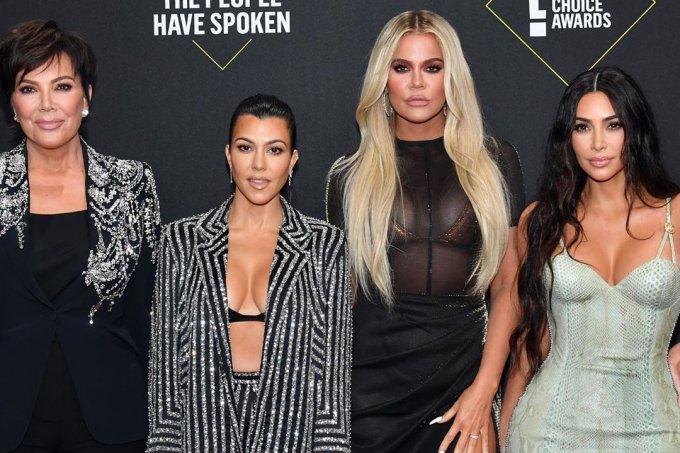 kim-khloe-kourtney-kardashians-peoples-choice-awards