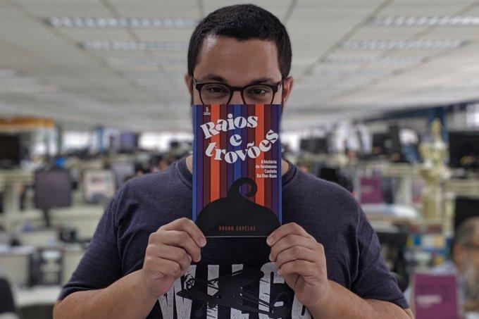 Bruno Capelas com livro