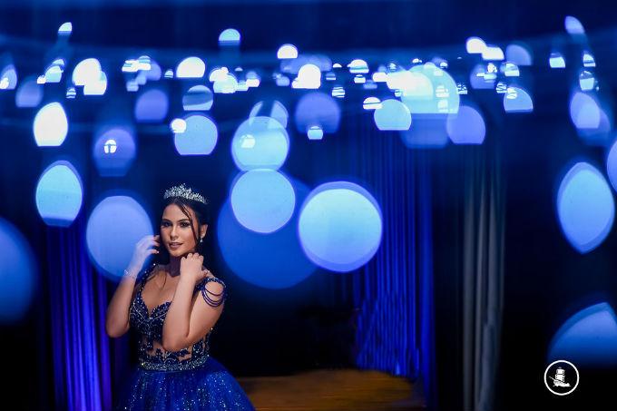 festa-15-anos-luzes-azuis-4