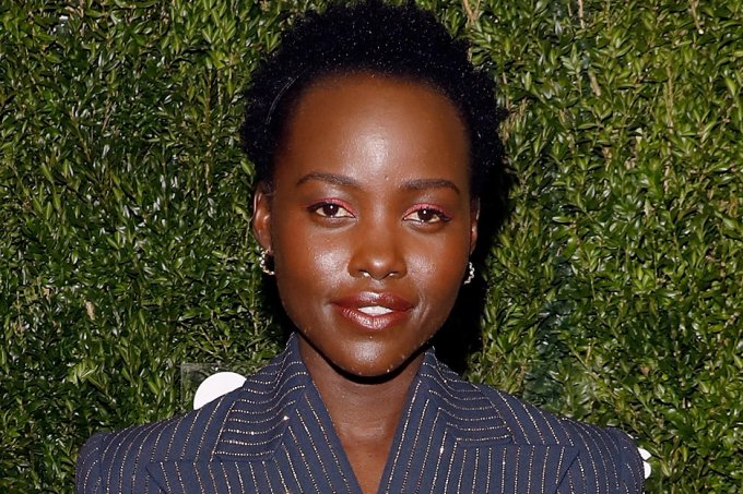look-do-dia-lupita-nyong'o