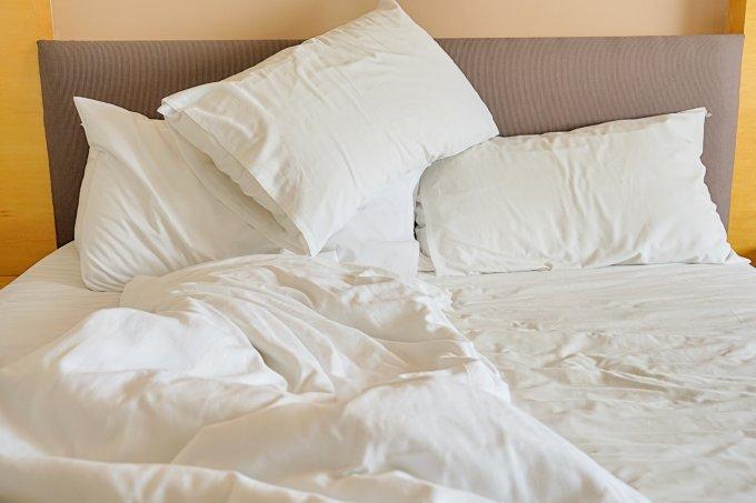Não arrumar a cama traz benefícios para a saúde, afirmam cientistas