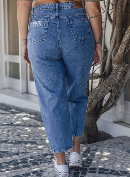 Mom jeans 787 Shirts (R$ 189,90*).