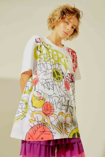 Camiseta da Sri Clothing (R$ 143,20*)