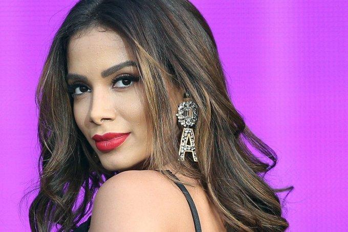 Anitta promete fazer uma live se Babu e Mari continuarem no BBB