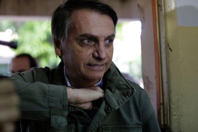"""""""Coisa de viado"""", dizia Bolsonaro sobre máscara, eficaz item de proteção"""