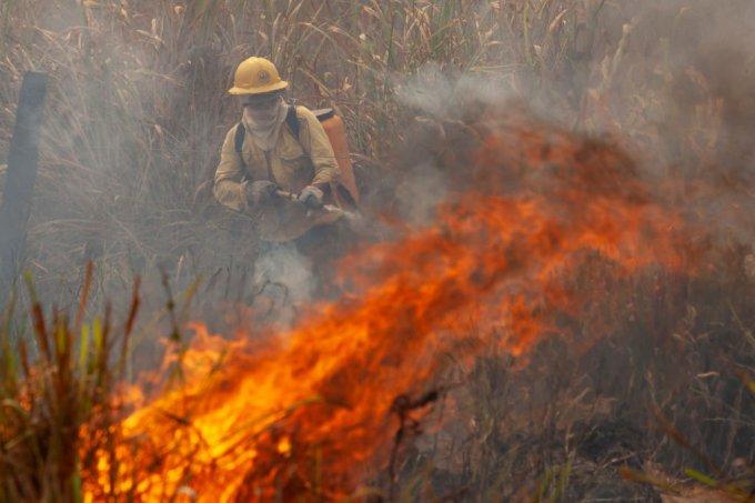 Desmentindo quatro falas do ministro Ricardo Salles sobre as queimadas
