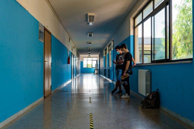 Aulas voltam em faculdades em outubro em SP; escolas reabrem parcialmente