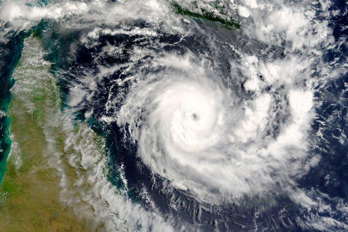 Frente fria no Sul e Sudeste é gerada por ciclone bomba que atinge regiões