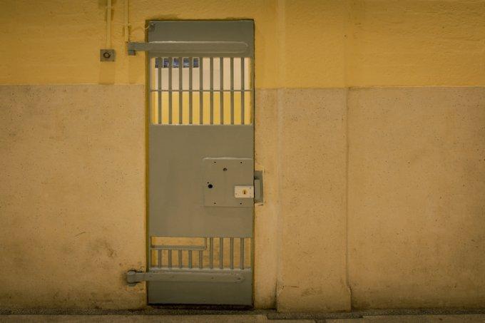 Adolescente acusada de matar Isabele é liberada de internação 24h após apreensão