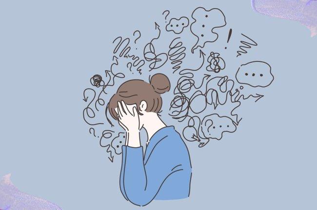 ilustração mostra garota de lado, com as duas mãos no rosto. Em volta dela, traços que simulam pensamentos