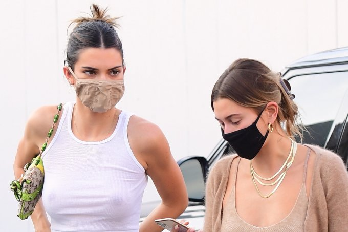 look-do-dia-hailey-bieber-kendall-jenner