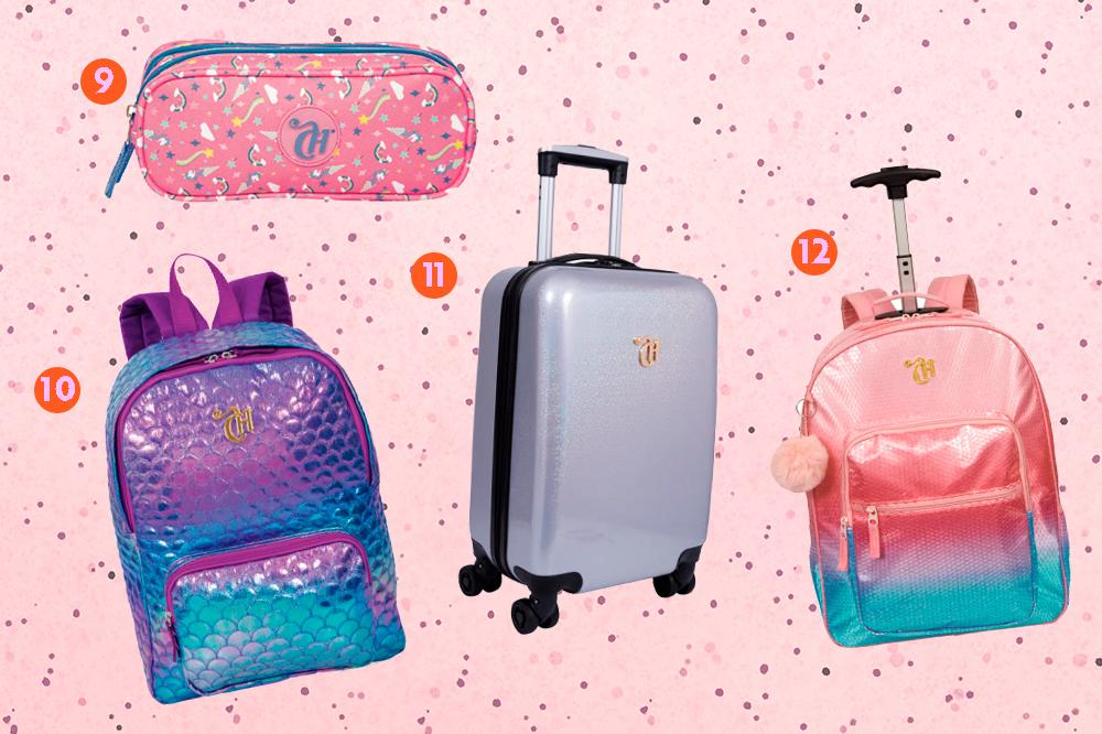 Montagem com quatro produtos da coleção de mochilas da CAPRICHO com a Sestini em um fundo rosa com bolinhas. Em cima, tem um estojo de unicórnios. Embaixo, uma mochila roxa e azul de sereia, uma mala holográfica de rodinhas e uma mochila rosa e azul de paetês com rodinhas.
