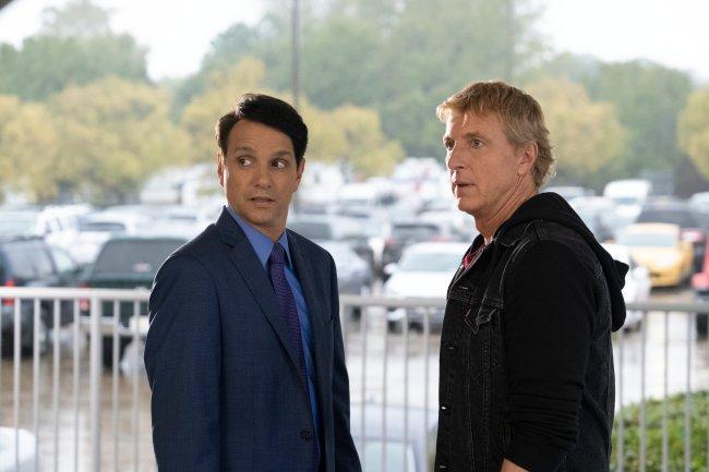 Ralph Macchio (Daniel) e William Zabka (Johnny) em Cobra Kai
