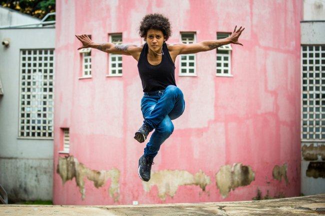 Do quintal de casa ao Cirque du Soleil: Itsa conquistou o mundo dançando