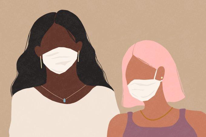 mulheres usando máscara contra o coronavírus