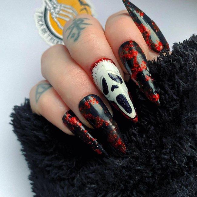 Nail art Pânico
