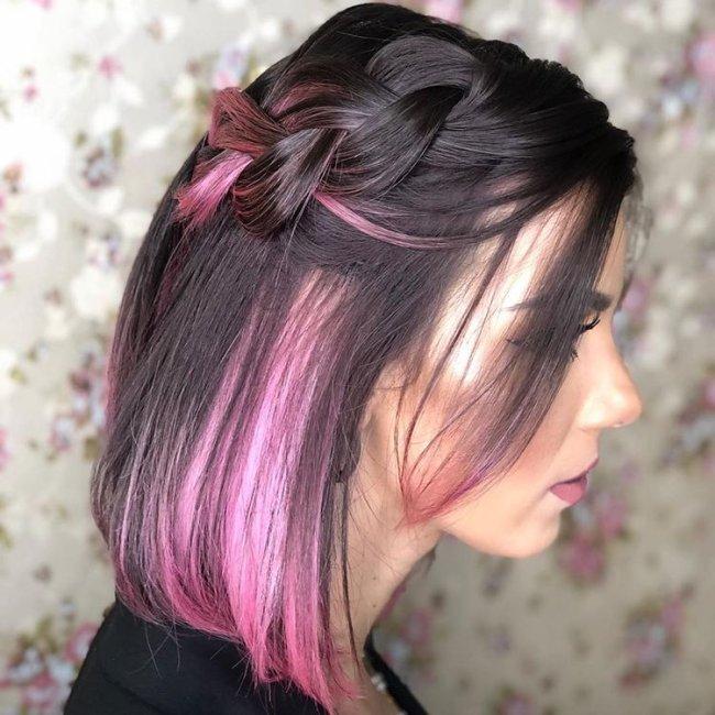 Inspiração de penteado para cabelo curto colorido