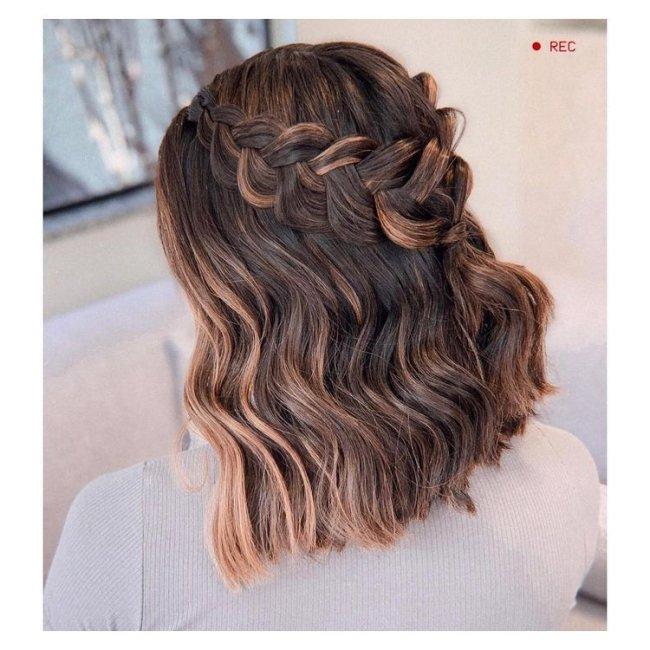 Penteado com trança para cabelo curto